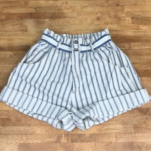 Vintage high waisted pinstripe lee shorts